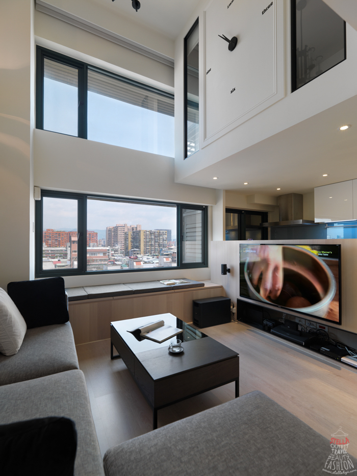 【裝潢改造】現代簡約感挑高客廳&實用廚房,小空間也能樣樣齊全