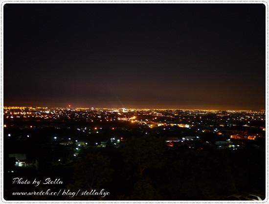 【宜蘭】輕旅行。橘子咖啡庭園,整片夜景盡收眼底