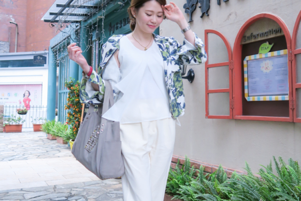 【日穿搭】喜歡清爽感穿搭。白雪紡背心+米白打摺褲+棉麻綠樹葉夾克