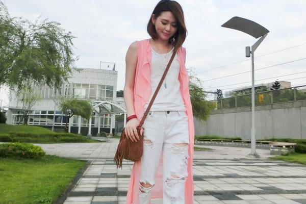 【日穿搭】一穿就回不去的One Teaspoon白色破褲,超好搭又很歐美,值得投資!!