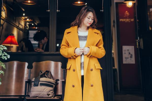 【日穿搭】冬日亮眼女孩有橘黃色90%羊毛大衣就搞定!!