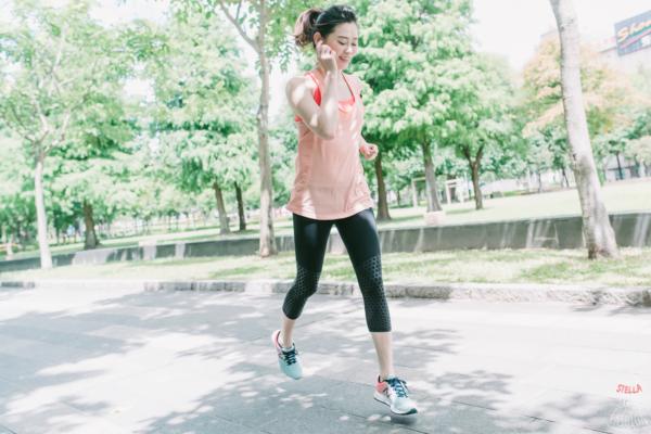 【運動】少女心爆發的漸層嫩綠x珊瑚橘輕量慢跑鞋:New Balance VAZEE PACE V2