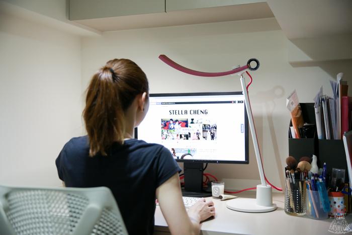 【3C】時尚滿分的微笑護眼檯燈~BenQ WiT Genie螢幕閱讀檯燈