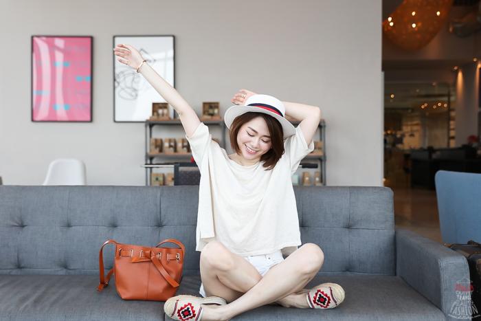【日穿搭】夏季簡約清爽風:GRLFRND顯瘦牛仔白短褲+Saludos草編鞋