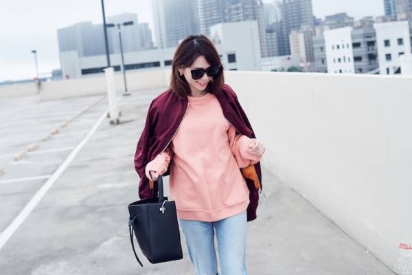 【穿搭】Acne Studios粉色衛衣,與酒紅色飛行外套也太搭!