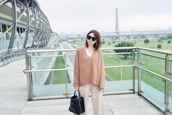 【日穿搭】Acne Studios Deborah Sweater毛衣,焦糖棕暖暖的超可愛