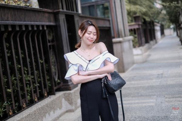 【日穿搭】在YOOX挖到的Self-Portrait絕美連身褲,價格超划算!