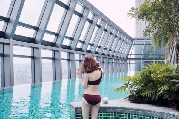【新北板橋住宿推薦】板橋凱撒大飯店,有超美高空大泳池,像在國外度假般悠閒啊!(板橋車站旁)
