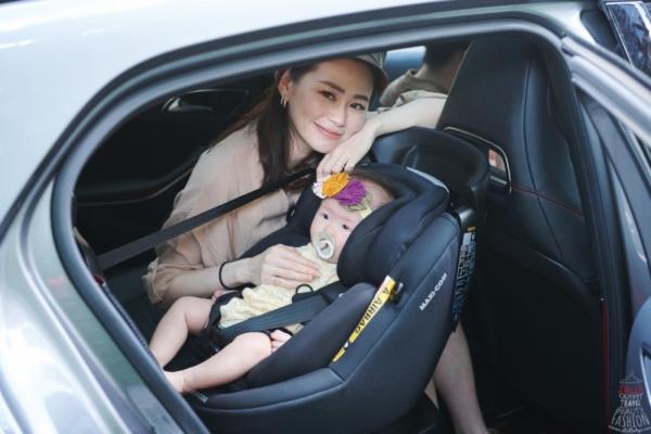 受保護的內容: 【兒童安全座椅推薦分享】MAXI-COSI AxissFix Plus 360度旋轉新生兒成長型汽座