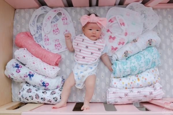 【育兒】美國aden+anais迪士尼系列紗布包巾、毯子、圍兜,英國皇室名人愛用,新生兒夢幻逸品!